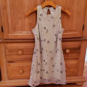 5-7'-9 Floral Dress